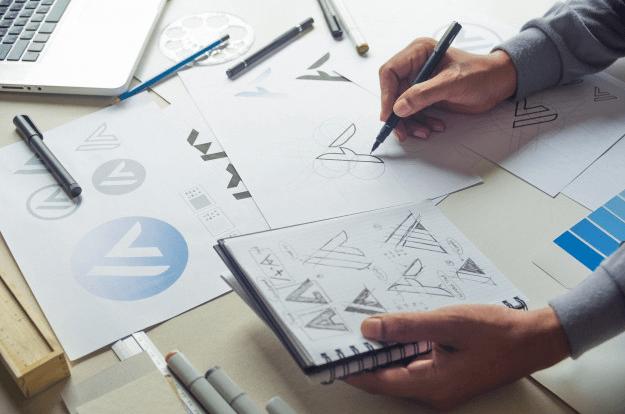 طراحی لوگو و نام تجاری
